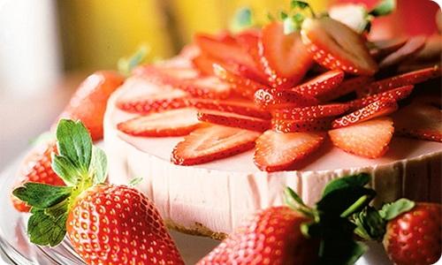 Диетический торт из клубники