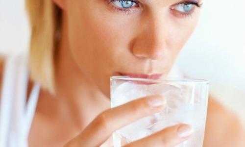 Как выводить лишнюю воду из организма