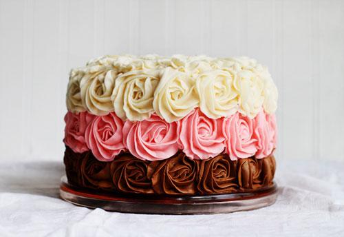 Как украсить торт розами: советы для хозяюшек