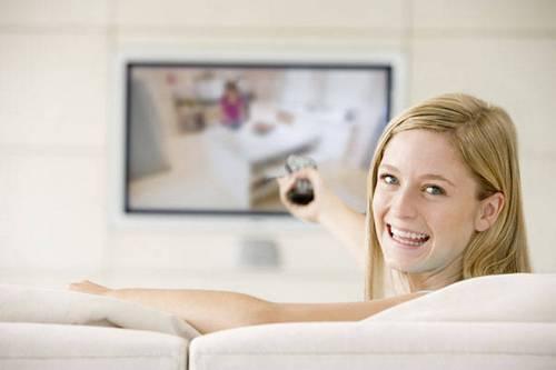4 причины не смотреть телевизор во время еды