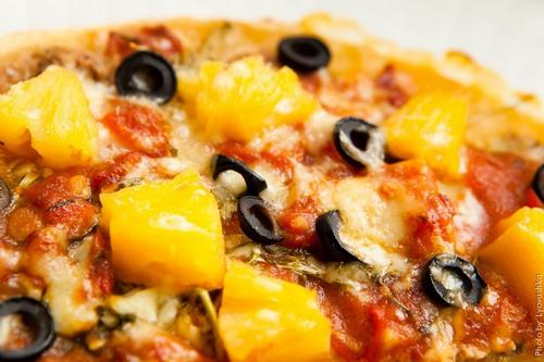 Простой рецепт приготовления пиццы с ананасом